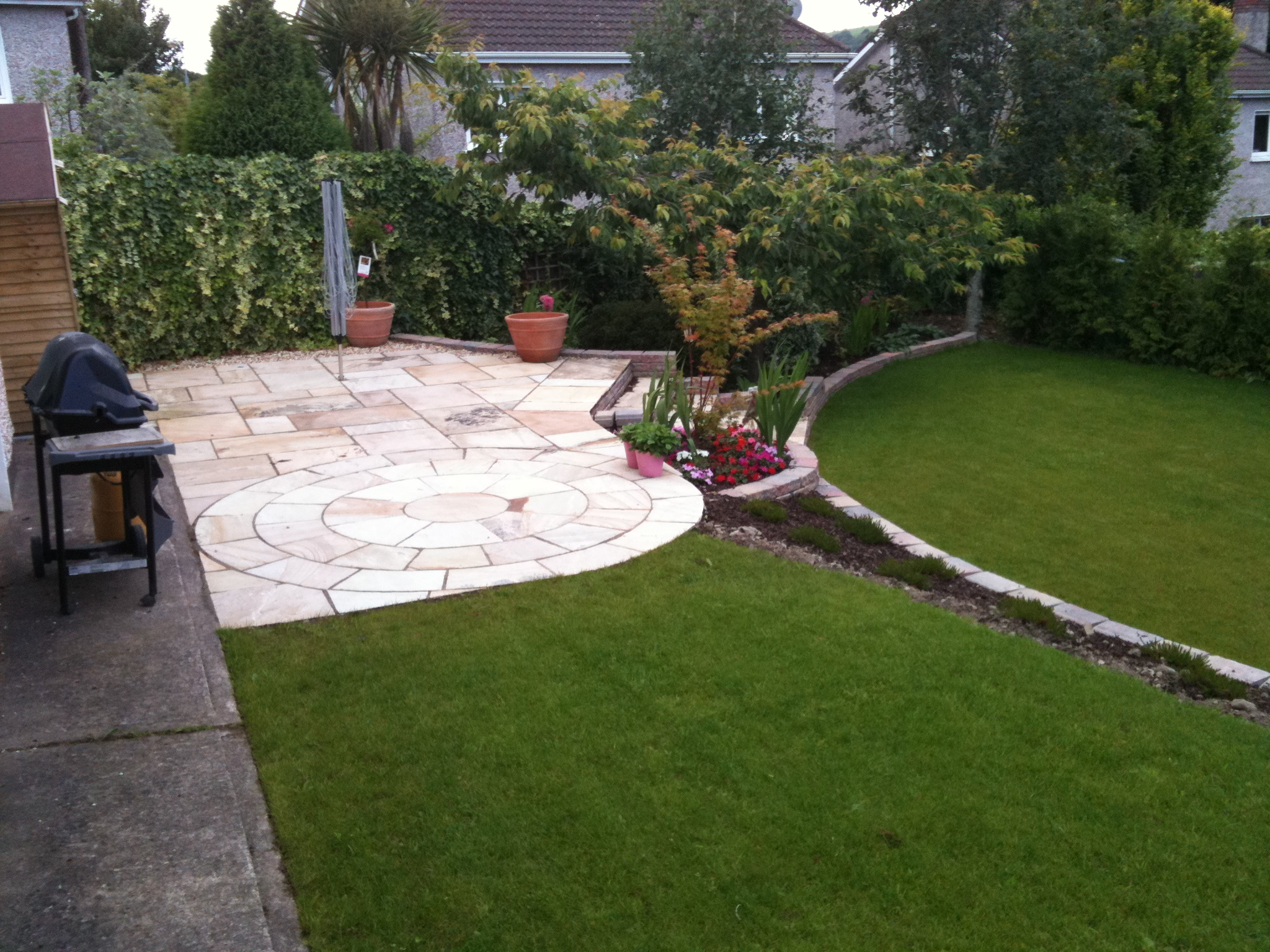 View pictures and photos for d drummond landscaping for Split level patio
