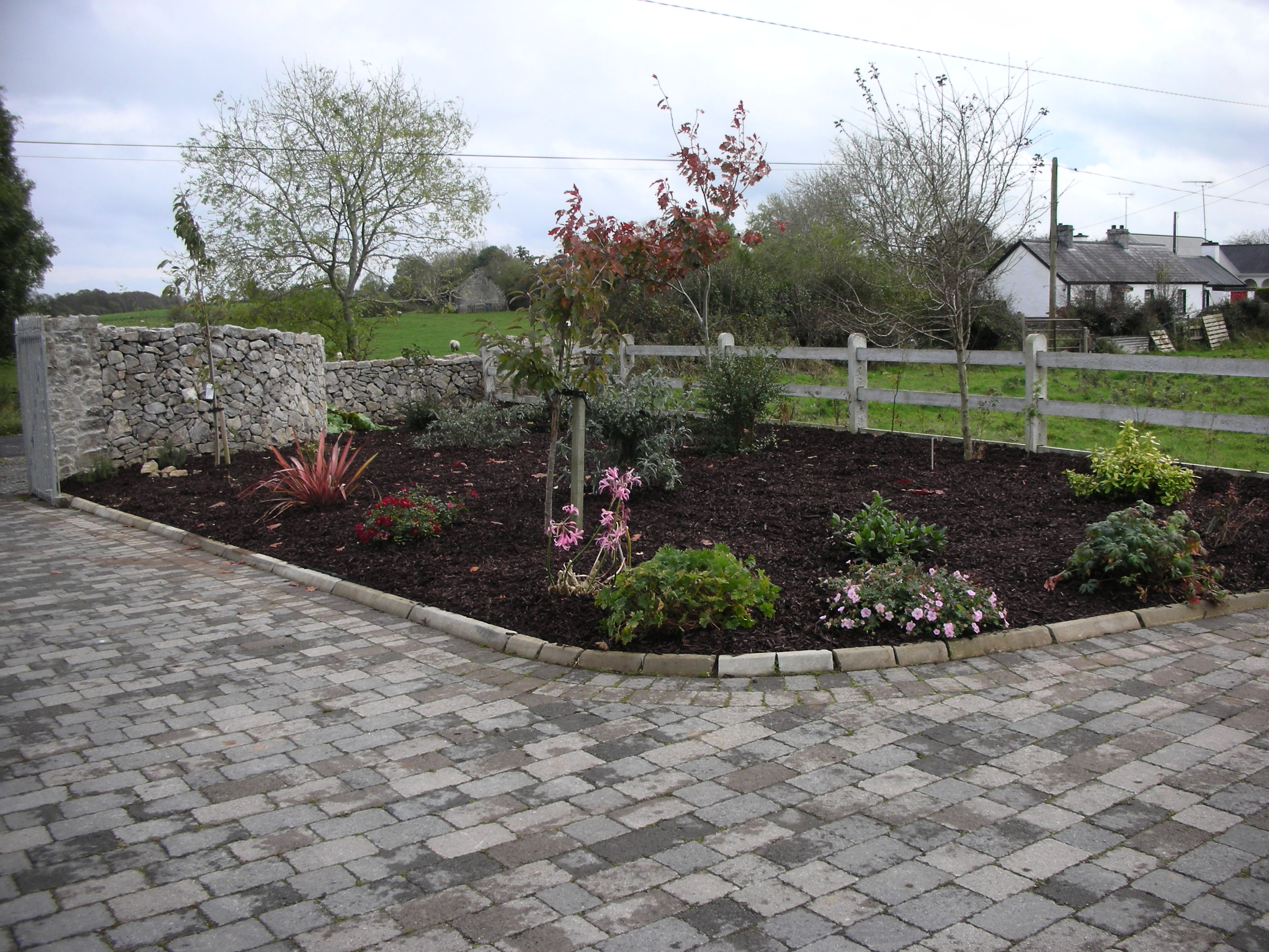 Paving with Bark mulch Bed 