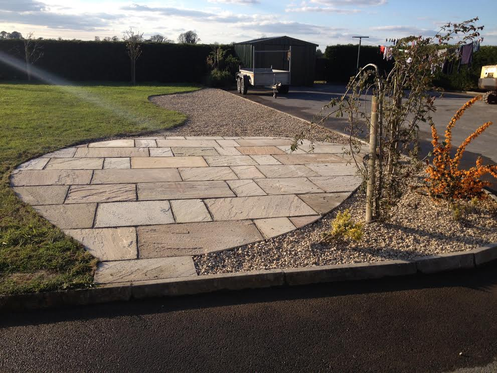 Indian Sandstone paving with Decorative Stone