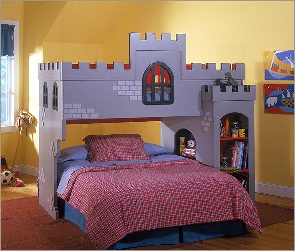Castle Bunk Bed 587 x 500