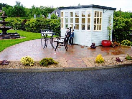 PATIO AREA: TEGULA HEATHER WITH GOLDING SETTS