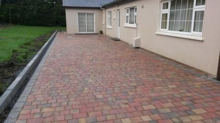Lismore Rustic with Circle & Natural Setts & Tara Kerbs