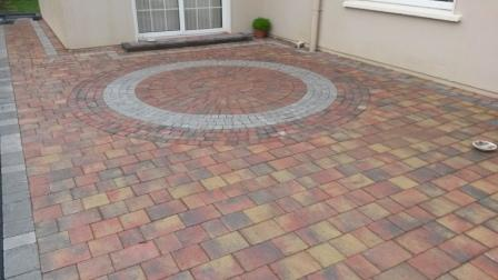 Lismore Rustic with Circle & Natural Setts