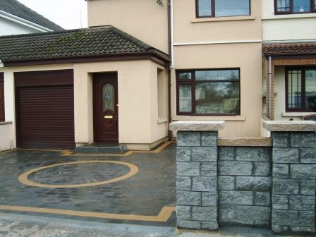 DRIVEWAY, WALLING WITH PIERS.