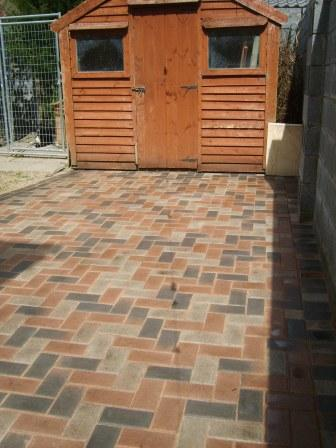 PATIO AREA: LARCHFIELD SYCAMORE / DAMSON