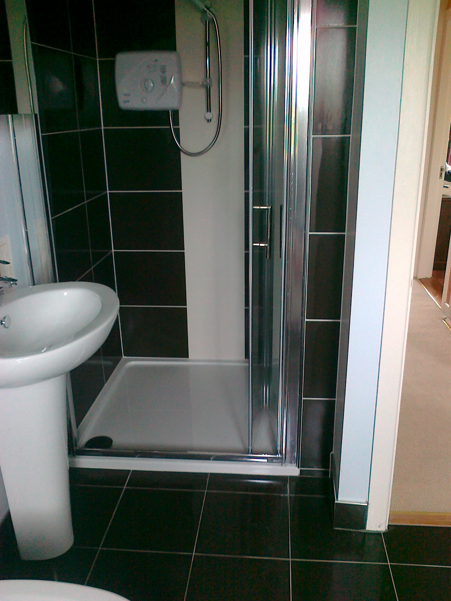 White Black Bathrooms